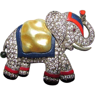 Rare Vintage Trifari Pave Rhinestone Pearl Belly Elephant Brooch Pin Philippe Figural 1940
