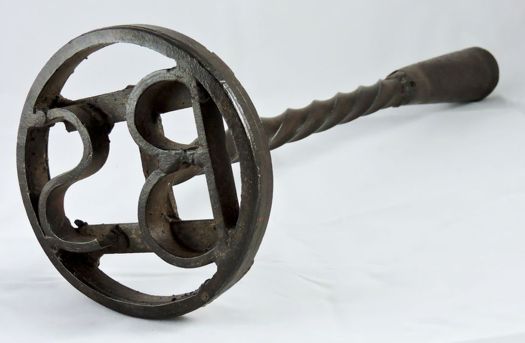 early american quotbsquot cattle branding iron from
