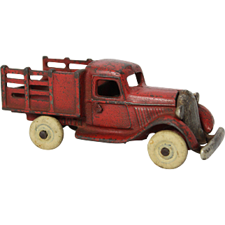 1930's Arcade Plymouth Stake Struck