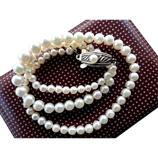 Vintage MIKIMOTO Sterling Cultured Pearl Necklace! Perfect for the Graduation or Wedding!