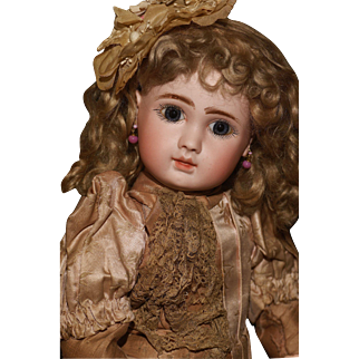 """18"""" Figure 'A' Steiner Bébé in the Factory Original Silk Couture plus the Extremely Rare 1899 'Gold Medal'"""