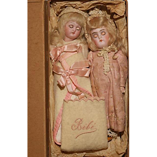 """6.5""""  One Owner Cabinet Dolls in Heirloom Box….K*R Closed Mouth 192 & A Franz Schmidt '293'"""