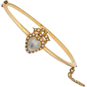 Moonstone and Pearl Hearts on a Knife Edge Bangle Bracelet of Gold