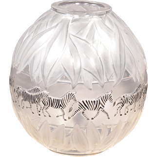 Beautiful Lalique Tanzania Vase MSRP $6,800 Rare Signed and Numbered 195