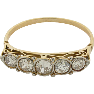 Lovely Vintage Art Deco 5 Diamonds Platinum Set 18K Gold Ring