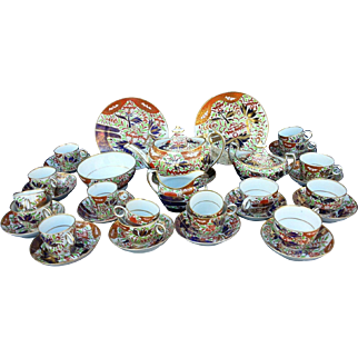 A 19th Century Chamberlain's of Worcester Imari Porcelain Tea/Coffee Set, Finger & Thumb Pattern