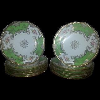 """Set of Twelve Coalport Green Batwing Plates, 9"""" diameter"""