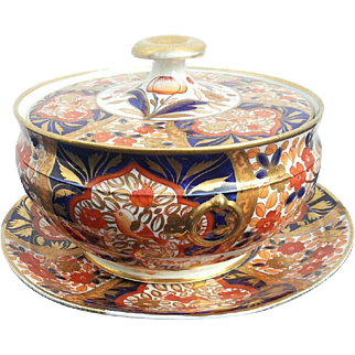 An unusual Coalport Covered Pot decorated in the Three Birds Pattern
