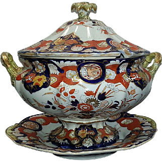 A Mason's Ironstone Soup Tureen, Cover and Undertray, 19th Century