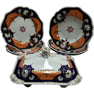 Chamberlains of Worcester Dinner Service Pieces