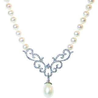 Elegant Diamond and  Pearls 14KT Gold Necklace