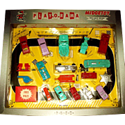 MIB MIDGETOY Unopened PLAYORAMA die Cast-Metal Free Prize Set with 18 Pieces and the Free Gift Box