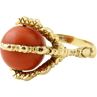 Vintage 18k Yellow Gold Coral Claw Ring
