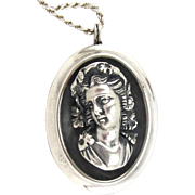 Henryk Winograd 999 Silver Repousse Cameo Pendant Necklace