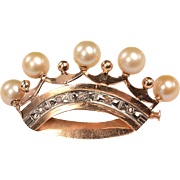 14kt Gold, Diamonds, Cultured pearls: Royal CROWN Brooch