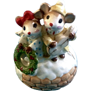 "Josef Originals Christmas Music Box Mice with a Wreath George Good 1970's  Plays, ""Silent Night"" Japan Ceramic"
