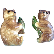 Vintage Salt & Pepper Shakers Brown Bears Holding a Trout Fish Ceramic Figurines