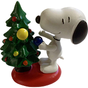 Rare Discontinued Decorating Christmas Tree Ultimate Snoopy Hand Painted Danbury Mint Miniature Figurine