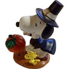 Rare Discontinued Thanksgiving Day Harvest Pilgrim Ultimate Snoopy and Woodstock Hand Painted Danbury Mint Miniature Figurine