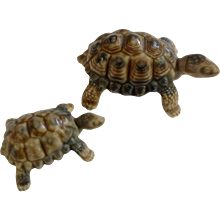 """Vintage 1960's Pair of Wade Porcelain Turtles Tortoises Made In England 3"""" and 2""""  Figurines"""