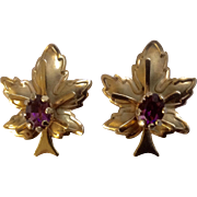 Vintage Beautiful Screw Back Gold Tone Leaf with Purple Rhinestone Center Earrings Unmarked
