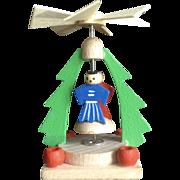 Erzgebirgische Volkskunst Steinbach German Erzgebirge Wooden Christmas Tree Folk Art Candle Figural Carousel