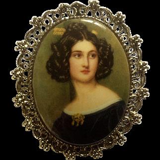 Vintage Lady Portrait Brooch / Pendant Costume Jewelry Gold Tone Pin