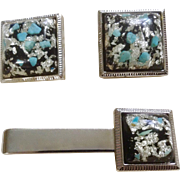 Vintage Hickok Matching Cufflinks and Tie Clip Pin Silver and Turquoise on Silver Tone Setting USA Costume Jewelry
