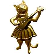 Adorable JJ Aloha Kitty Cat Playing Guitar Costume Jewelry Pin Gold Tone