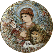 """Knowles Edna Hibel Peaceful Kingdom Christmas Plate 1989 Limited Edition Collectors Plate 10-1/4"""""""