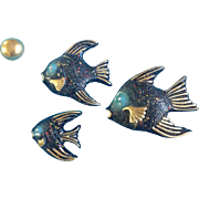 Vintage Mid - Century Rhinestone Eyes Speckled Painted Fish Chalkware Wall Decor Plaques