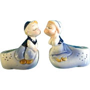 Salt & Pepper Shakers Dutch Boy Kissing Girl by Adriane Made in JAPAN E-5816 Retro Mid-Century Vintage Hand Painted 1965