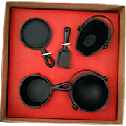 Vintage Miniature Cast Iron 5 piece Black Pots and Pans 1960's – New in Box