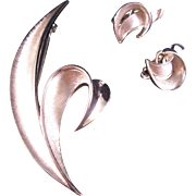Vintage Trifari Brushed Silver tone Leaf Pin and Clip on earring Brooch set