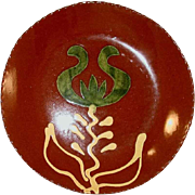 "1990 Redware 7"" Pie Plate Brown Glazed with Slip Decoration Green Tulip with Yellow Leaves by Lester Breininger"
