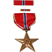 WWII Era Bronze Star Medal with Ribbon Lapel Pin and Presentation Box Heroic or Meritorious Achievement