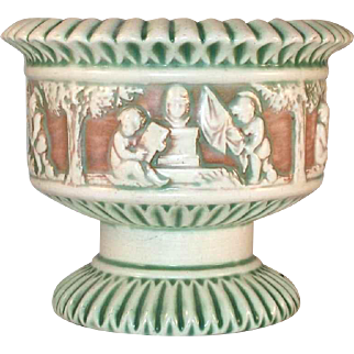 Beautiful Circa 1915 Roseville Pottery Donatello Pattern Large Footed Planter