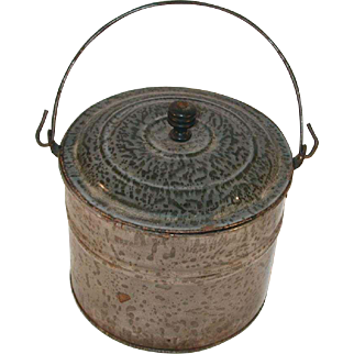 Late 19th Century Agateware Graniteware Pail Berry Bucket Lid Wire Handle Mottled Gray
