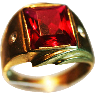 Vintage Man's yellow Gold Diamonds large Garnet  ring