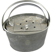 Fishing: bait minnow bucket, ca.1900, oxidized oval tin, star lid