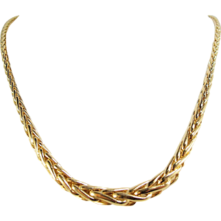 Indispensable French solid gold necklace, elegant Spiga wheat chain, stamped 18 carat