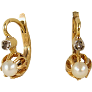 Delicate French earrings with pearl and rose cut diamond in 18K solid gold Circa 1900s