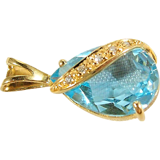 Sea blue aquamarine diamond and solid gold pendant, French gold jewelry, stamped 18K solid gold