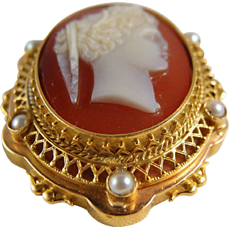 Antique Victorian sardonyx cameo brooch in highly decorated 18K solid gold frame with cultured pearls, fine pendant
