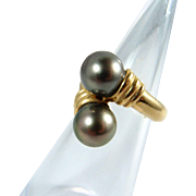 Impressive Tahitian South sea pearls set in an 18K solid gold ring, stamped fine jewelry