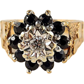 Fabulous flower cluster ring in solid gold with 10 sapphires and one round cut diamond, Fine stamped jewelry