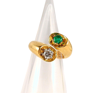 Beautiful crossover natural diamond and emerald ring, stamped 18K French gold and platinum bypass ring, fine jewelry