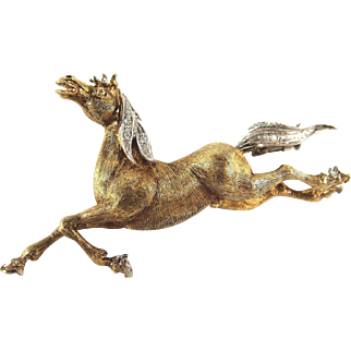 Amazing 18k solid gold horse pin with diamond mane and incredible detail. Stamped French fine jewelry