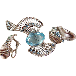 Very large aquamarine brooch and earring set, Retro era stamped 18K solid gold, Fine jewelry