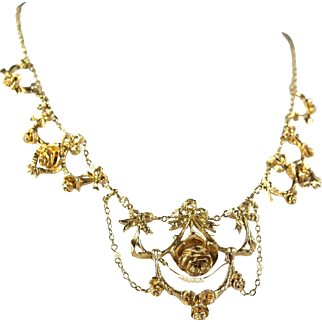 Victorian era drapery necklace Stamped 18K solid gold and pearls French rose design Delicate festoon and flowers